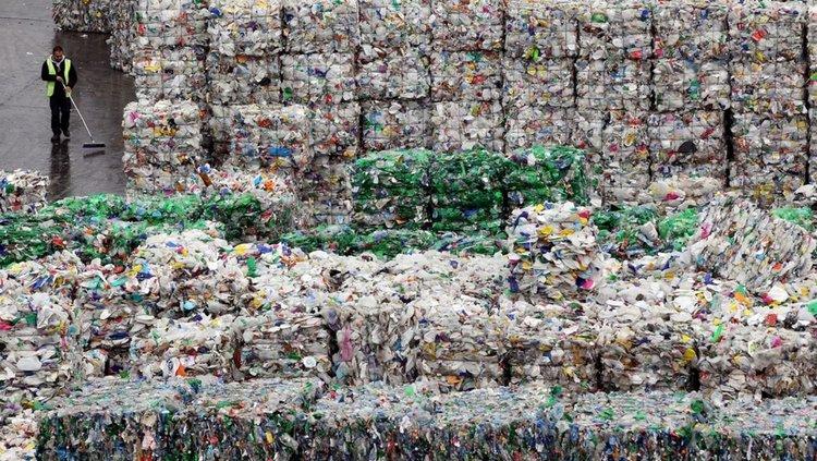 Криза с пластмасовите отпадъци за рециклиране (видео)