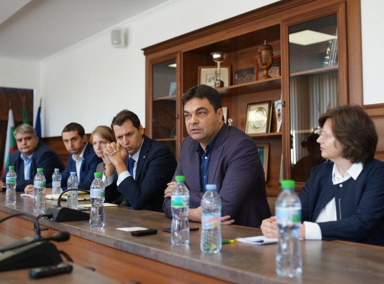 Проекти за над 8 млн лв за община Димитровград подписва днес кметът Иво Димов