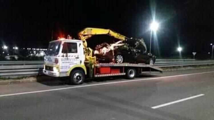 снимки на катастрофиралия автомибил - фейсбук