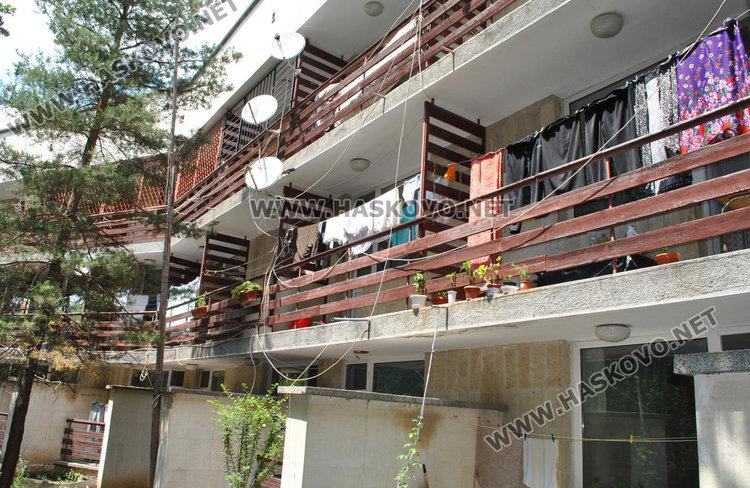 Терасите на последния етаж в дома трябва да са с решетки за безопаност