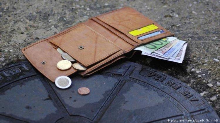 Къде има най-голям шанс да ви върнат портмонето