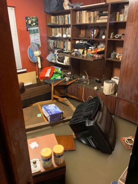 Щети от наводнение след проливния дъжд в началото на месеца