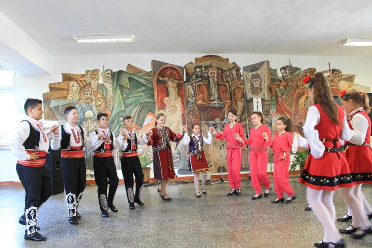 Урок по етнорелигиозна толерантност изнесоха ученици в Крумовград