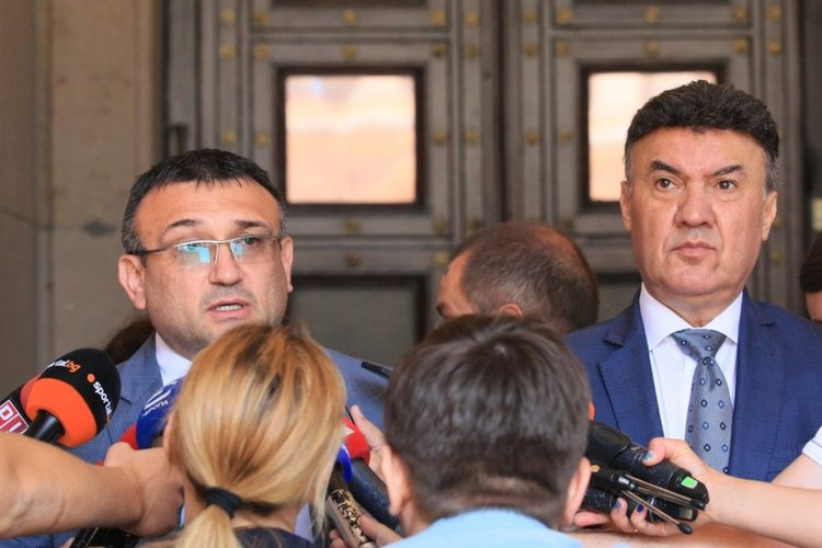 МВР ще следи за купуване на футболни мачове и натиск върху съдиите