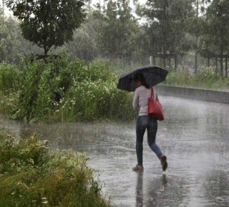 Оранжев код за дъждове и гръмотевични бури в седем области, в останалите - жълт