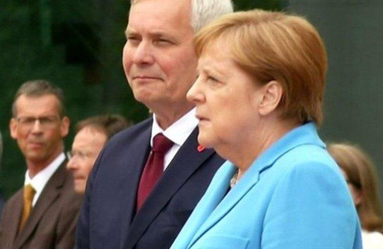 Меркел отново получи пристъп на публично събитие (видео)