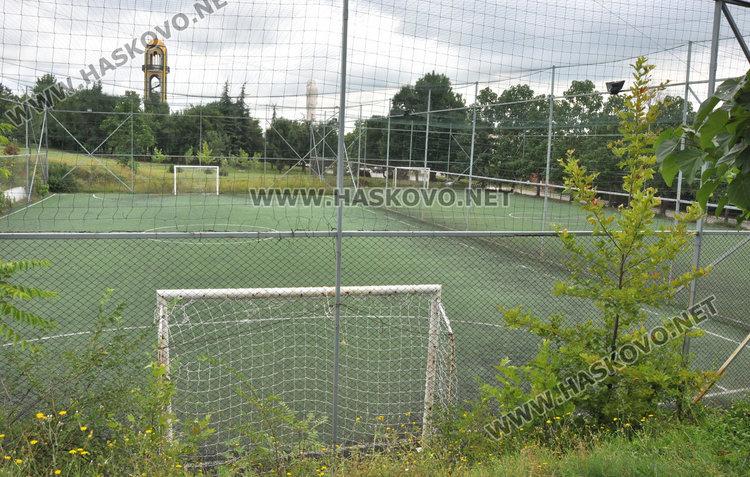 """21-годишен почина, докато играе футбол на """"Ямача"""""""