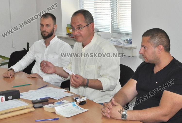 Владимир Стайков, архитект Тодор Грозев и Васил Николов
