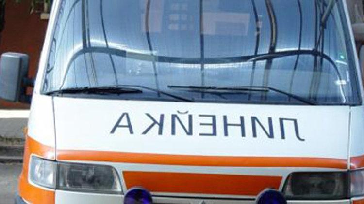 Челен сблъсък между два буса край Пловдив, шофьорите са в болница