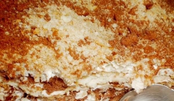 Експериментална бисквитена торта