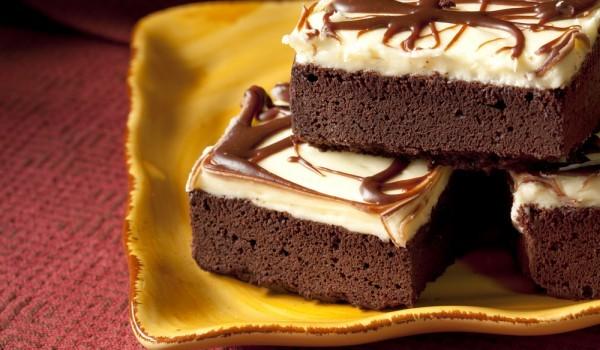 Шоколадов сладкиш с маслен крем