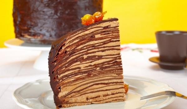 Шоколадова палачинкова торта