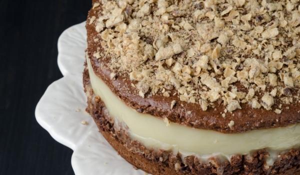 Шоколадова торта с вафли
