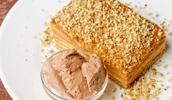 Орехова торта с домашен крем