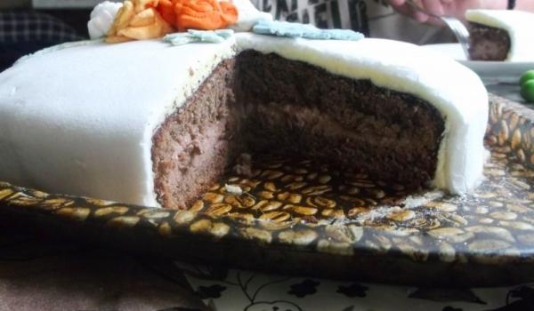 Шоколадова торта с фондан