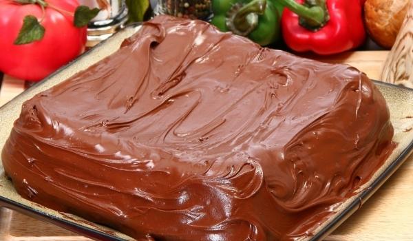 Вкусна торта с банани и шоколад