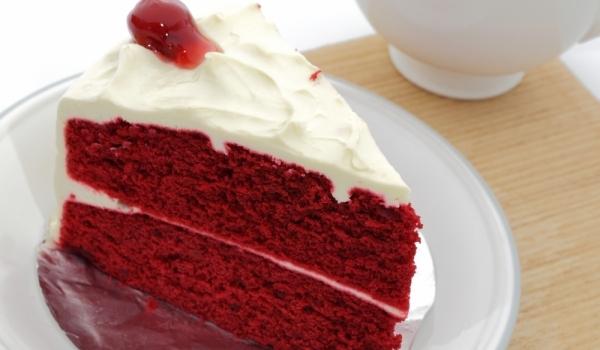 Торта Червено кадифе с кокос