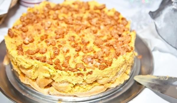 Домашна торта с бишкоти