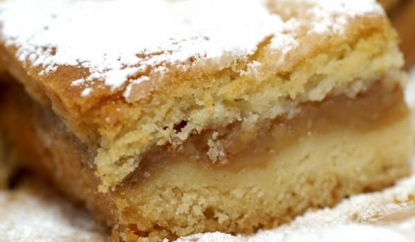 Шведски кейк с пълнеж