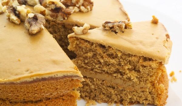 Икономична орехова торта