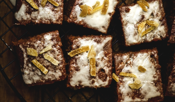 Торта с петмез и джинджифил