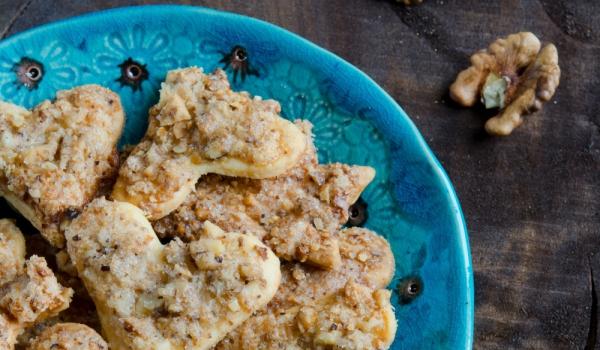 Маслени бисквити с орехи
