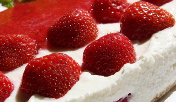 Чийзкейк със сладолед