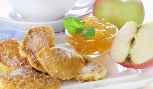Ябълкови резени в пържено тесто