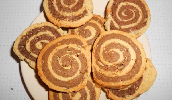 Двуцветни бисквити