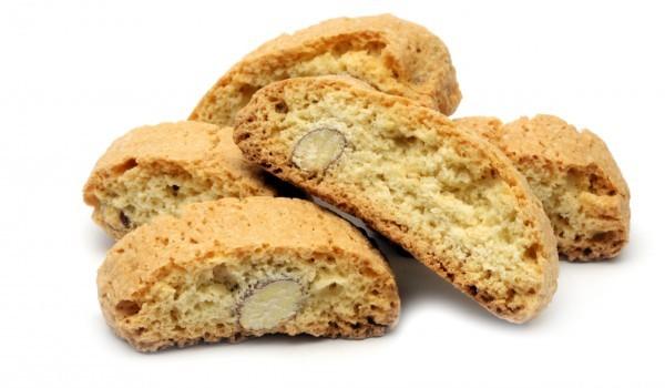 Крехки бисквити с бадеми