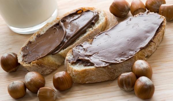 Течен шоколад с лешници