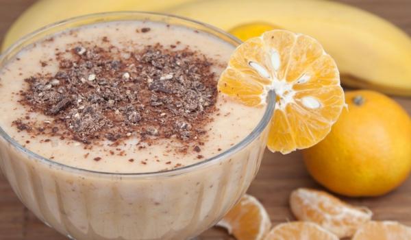 Кисело мляко с банани и шоколад