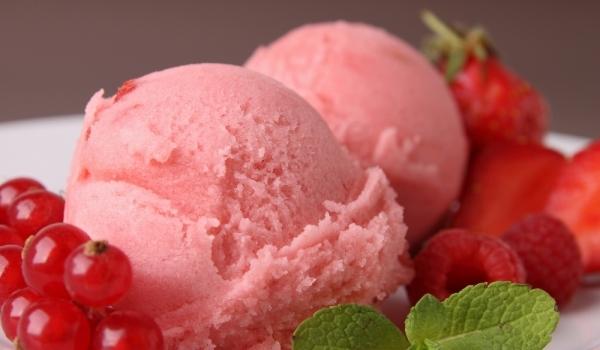 Ягодов сладолед с йогурт