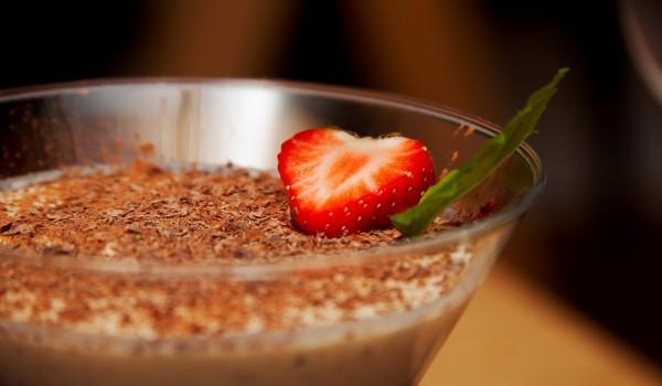 Шоколадово парфе с ягоди