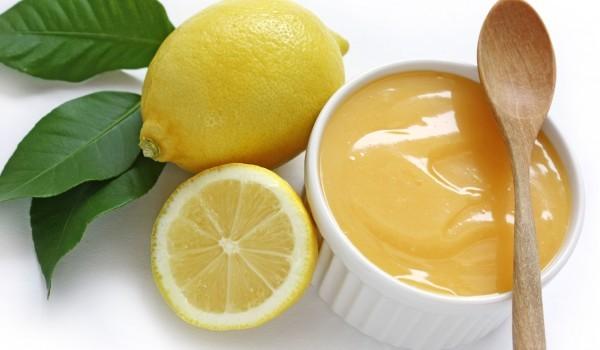 Лимонено сорбето с праскови