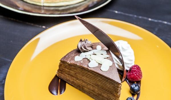 Шоколадова торта с палачинки