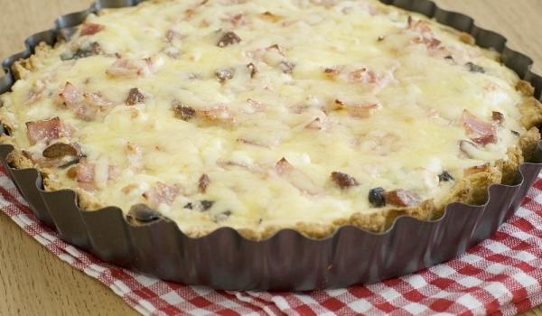 Пирог с шунка и крема сирене