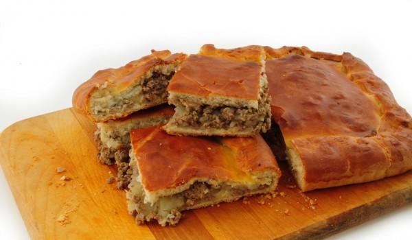 Пирог с месо