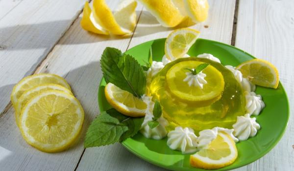 Италианско желе с лимони и мента