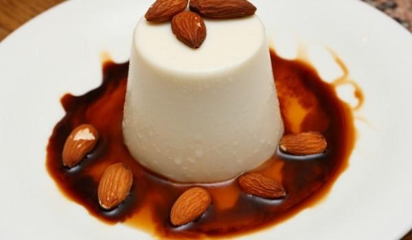 Италианско бадемово желе