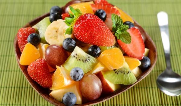 Салата от плодове с вермут