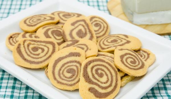 Бисквити спирали
