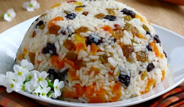 Ориз със сушени плодове