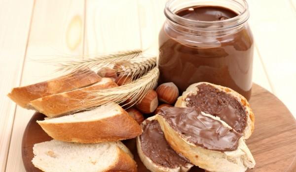 Веган течен шоколад с лешници
