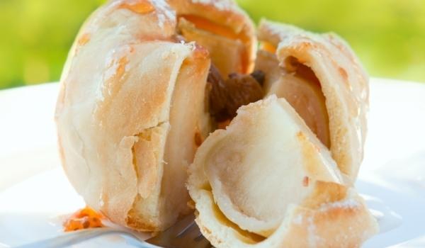 Ябълки печени в тесто