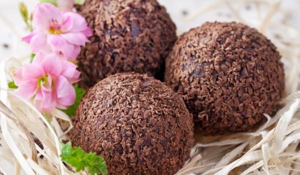 Шоколадови трюфели с бадеми