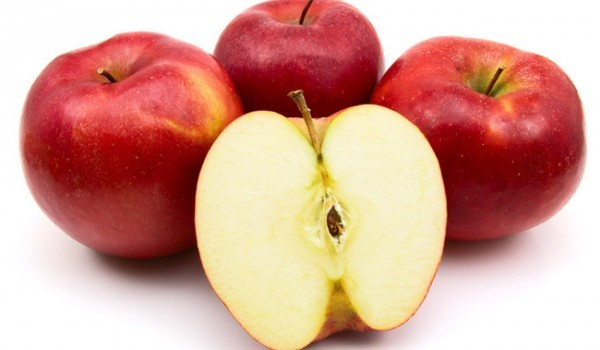 Ябълки на шишчета