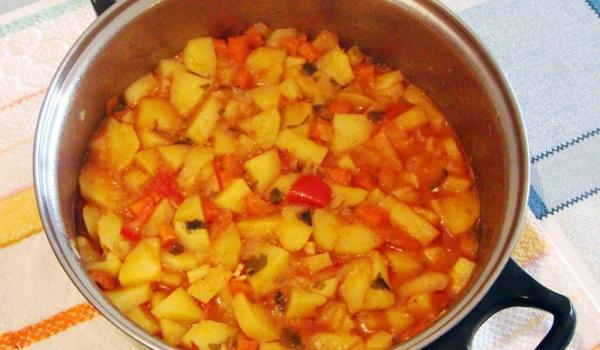 Манджа от картофи с чушки