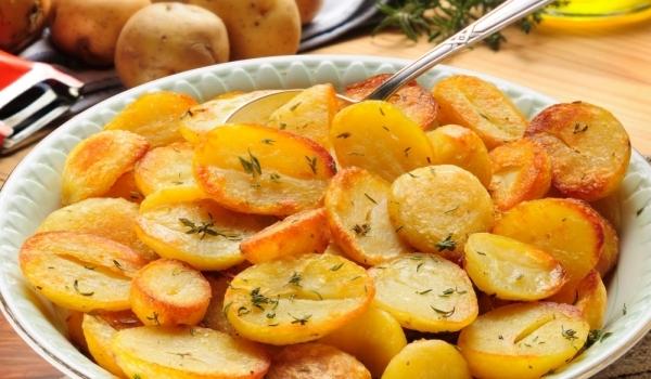 Картофи по лионски