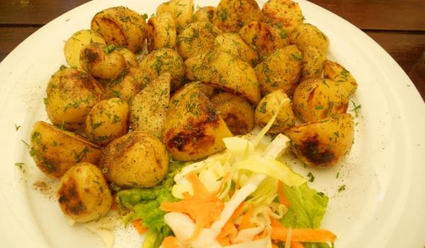 Картофи с лук и чесън